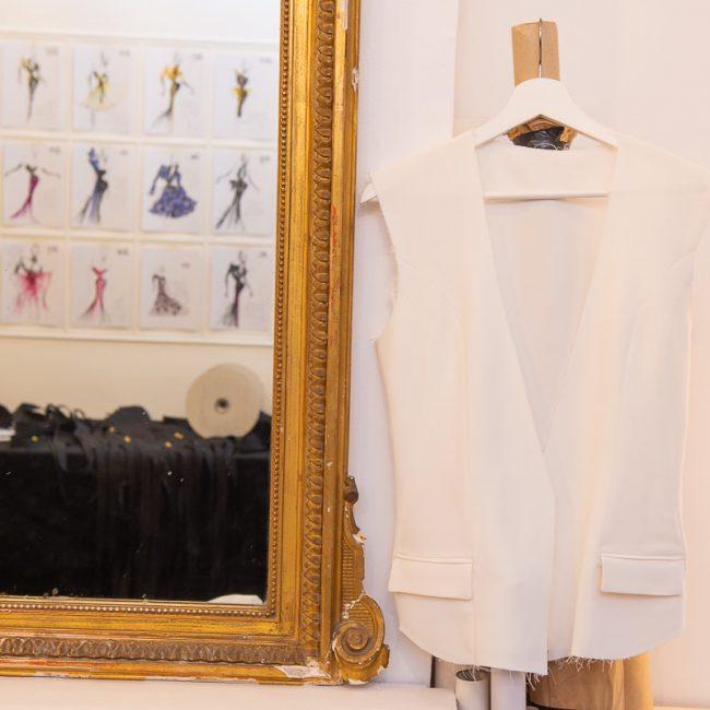 veste du tailleur Danaé en cours de réalisation de manière artisanale